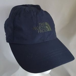 EUC  The North Face navy blue horizon hat